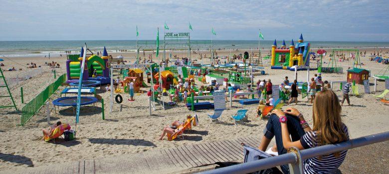 La-plage-du-Touquet-et-ses-vacanciers_format_zoom